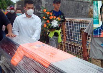 El féretro fue adornado con una camiseta del canal ceibeño 45TV, para el cual laboró el camarógrafo Jorge Posas desde los 13 años de edad.