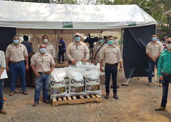 La SAG entregó 400 sacos de fertilizante que ayudará a mejorar la producción de granos básicos.