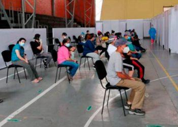 Los centros de triaje reciben cientos de personas con síntomas de COVID-19 a diario en la capital.