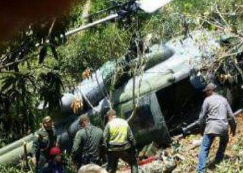 Nueve militares muertos y seis heridos al caer helicóptero en Colombia