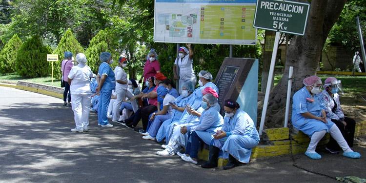 52 empleados del Hospital del Tórax portan el virus