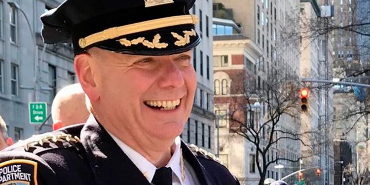 Jefe de Departamento de Policía de Nueva York es herido en disturbios
