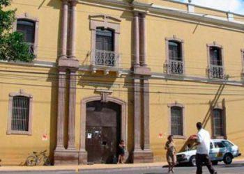 Empleados del San Felipe anuncian un paro de labores