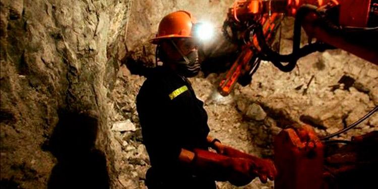 Precios y extracción de oro levantan la minería