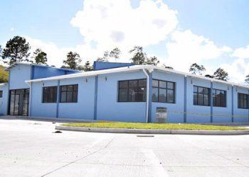 Al no existir ni hospital en Siguatepeque, en el policlínico se podría organizar una sala para atender a los pacientes COVID-19.