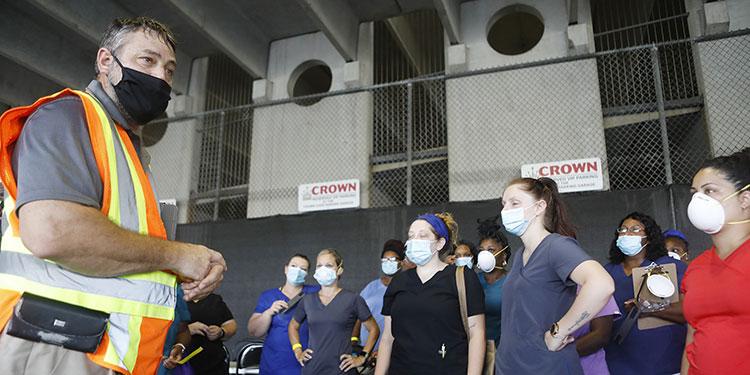 Florida superó el martes su propio récord de muertes por coronavirus en un solo día, causando alarma entre las autoridades de salud.  (LASSERFOTO AFP)