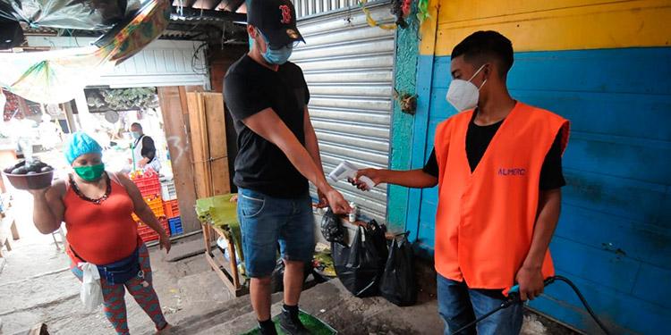 Una actividad similar a jornadas anteriores se notó en el reinicio de actividades económicas en Tegucigalpa y Comayagüela.