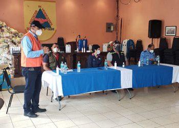 Con estricta bioseguridad reabren el mercado San Isidro en la capital