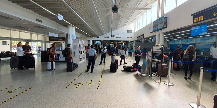 Las medidas de bioseguridad son fuertes en los 4 aeropuertos.