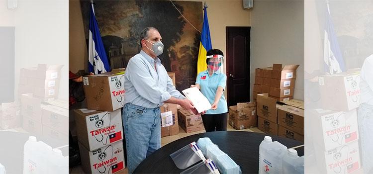 AMDC recibe materiales de bioseguridad de la embajada de Taiwán