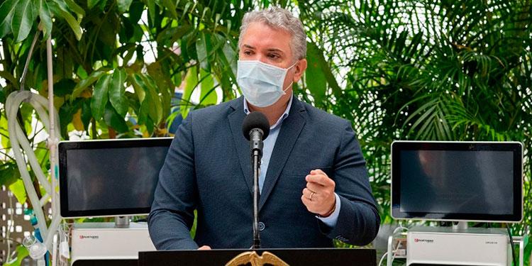 Duque entrega respiradores para atender emergencia por COVID-19