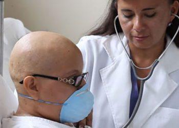 Maldonado manifestó que han luchado para mantener libre de COVID-19 los centros oncológicos.