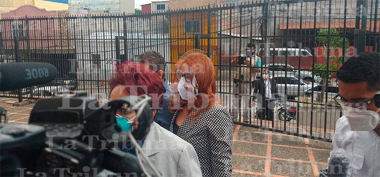 Exdirectora de Invest-H comparece ante el MP por caso Hospitales Móviles