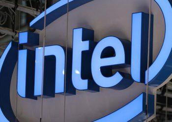 Intel se desploma en bolsa por el retraso de su nueva generación de chips