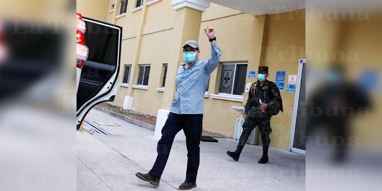 Presidente Hernández es dado de alta tras recuperarse del COVID-19