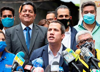 Guaidó dice que ha protegido el oro venezolano del 'saqueo' de Maduro