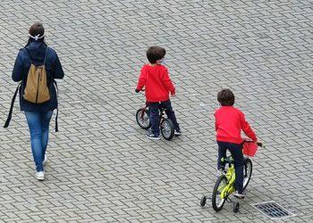 Los menores de cinco años podrían propagar la COVID-19 tanto como los adultos