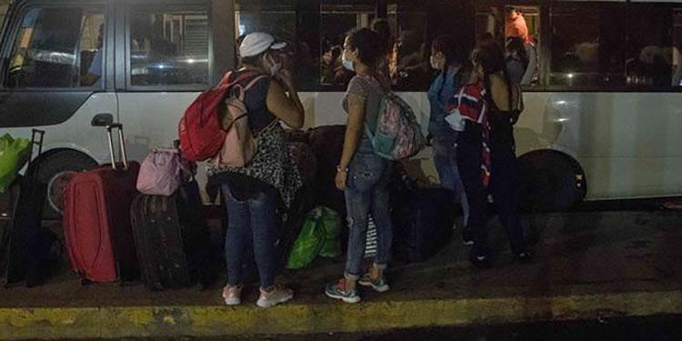 Unos 44 nicaragüenses varados entre Guatemala y Honduras buscan volver a casa
