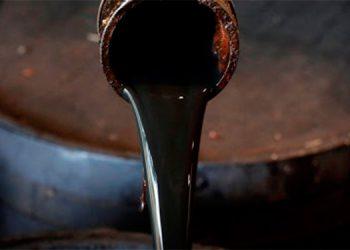 Se dispara el petróleo por alza en la demanda
