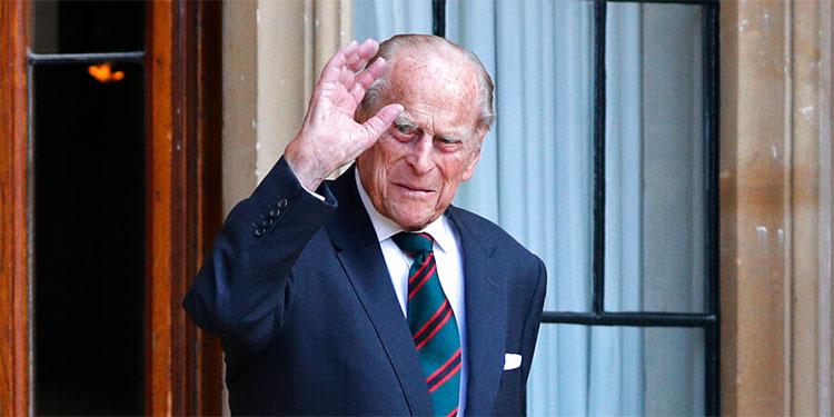 El duque de Edimburgo ingresa en el hospital como 'medida de precaución'