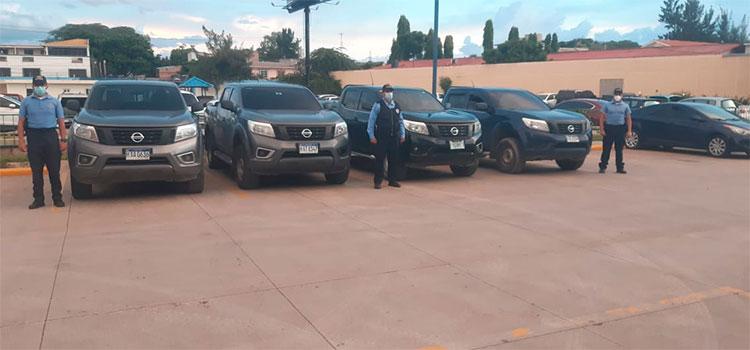Recuperan cuatro vehículos con reporte de robo en la capital
