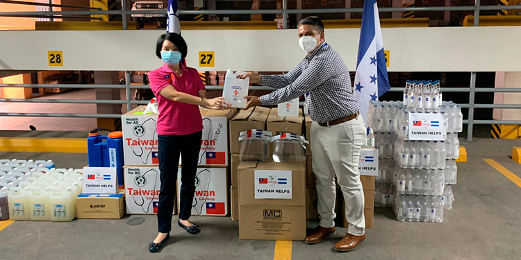 Taiwán dona equipo de bioseguridad a Secretaría de Coordinación