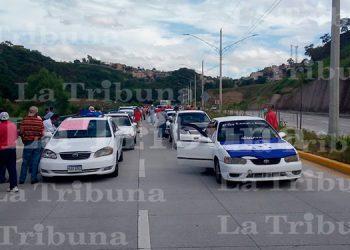 Taxistas exigen pago de bono en efectivo en la capital(Video)