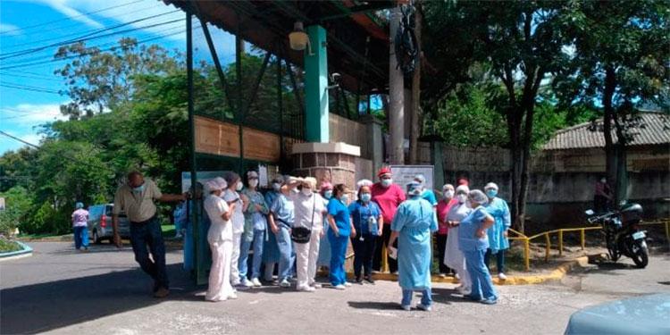 Hospital El Tórax suspende consulta externa por jornada de vacunación