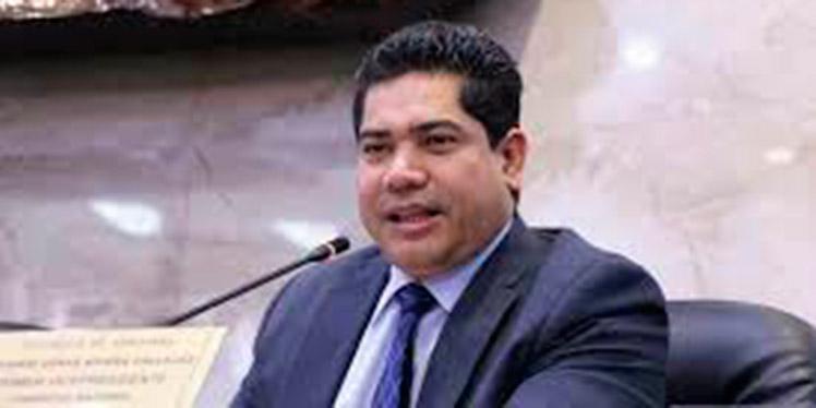 """Walter Chávez: """"En Comisión de Energía no habemos pícaros"""""""