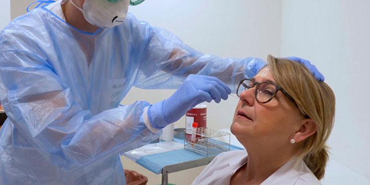 El uso de las pruebas de antígeno permite detectar en menor tiempo los casos positivos de COVID-19.