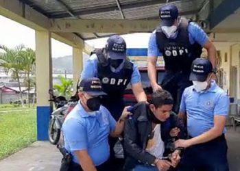 A Erick Ariel Chacón Aguilar le ejecutaron una orden de arresto emitida el 14 de julio pasado por el Juzgado Unificado de Santa Rosa de Copán.