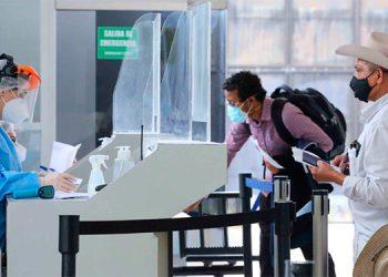 Automatizan en aduanas llenado de Declaración Regional del Viajero
