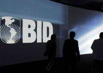 Argentina cuenta con el apoyo de México y europeos para dirigir el BID, en lugar del colombiano, Luis Alberto Moreno.
