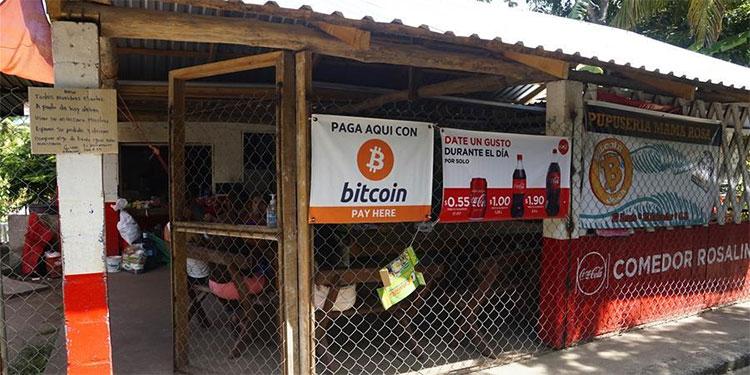 El Bitcoin cobra auge en comunidad turística salvadoreña