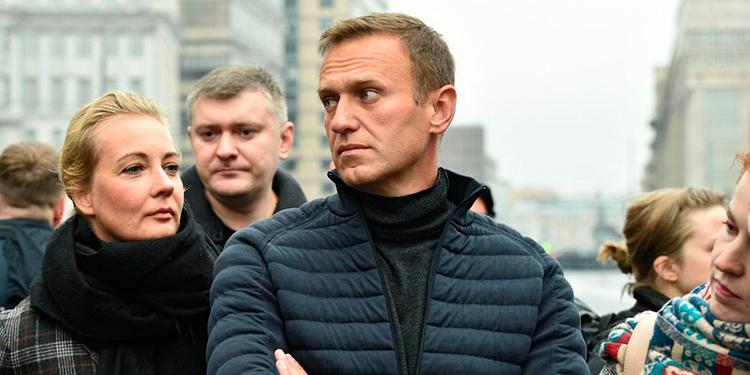 El opositor ruso Alexéi Navalni (al frente).