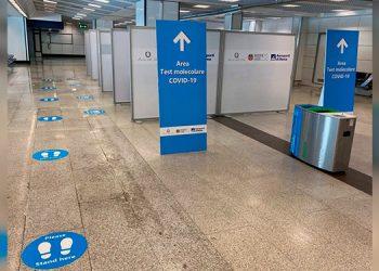 Aeropuertos romanos instalan cabinas para realizar pruebas de coronavirus