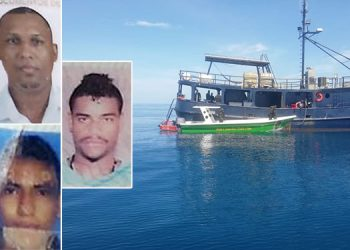 Los imputados de narcotráfico (fotos insertas) navegaban en esta embarcación cuando fueron descubiertos por elementos de la Fuerza Naval.