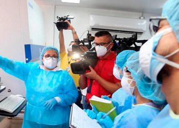 Por ahora, solo un equipo está procesando muestras de PCR, para pruebas de COVID-19 en Cortés, informó Roberto Cosenza.