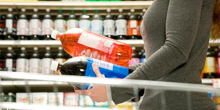 Expertos urgen a regular bebidas para evitar 40.000 muertes en México