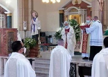 Los sacerdotes renovaron sus votos cristianos ayer, en una homilía dirigida por el cardenal Óscar Andrés Rodríguez.