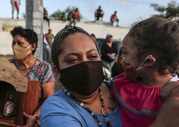 """Familiares de opositores considerados """"presos políticos"""" en Nicaragua denunciaron el lunes que los convictos han recibido amenazas de muerte. (LASSERFOTO AFP)"""