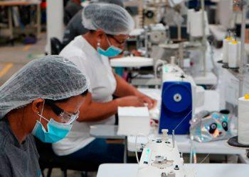 Pandemia y conflictos comerciales abren oportunidades a maquiladores