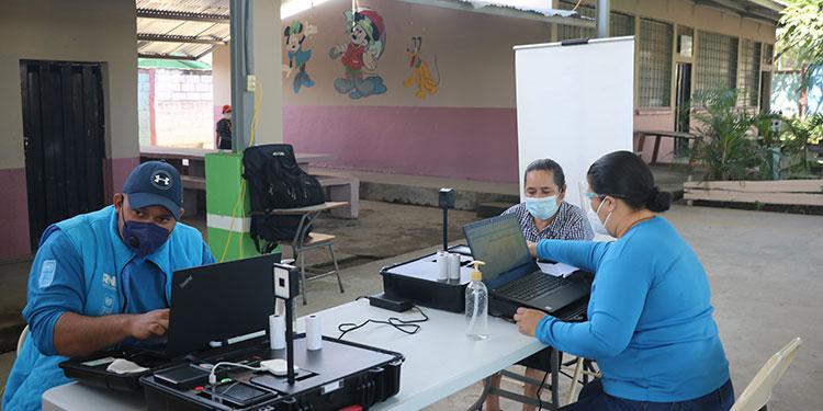 Pobladores de Siguatepeque acuden a enrolarse para nueva identidad