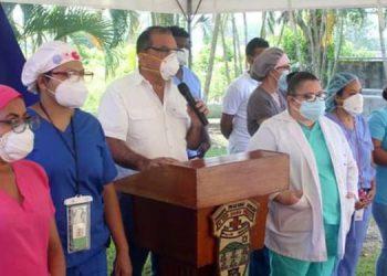 El alcalde de Tela, Darío Munguía, afirmó que los profesionales están listos para realizar evaluaciones, pruebas rápidas y entregar medicamentos de ser necesario.