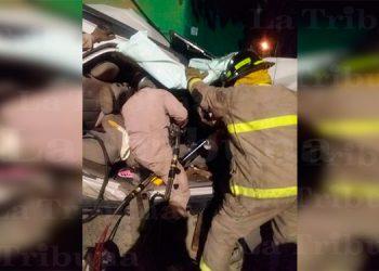 Tres niñas mueren en brutal choque de rastra contra camioneta