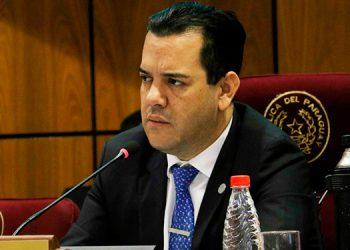 Imputan al ministro de Agricultura paraguayo por presunto lavado de dinero