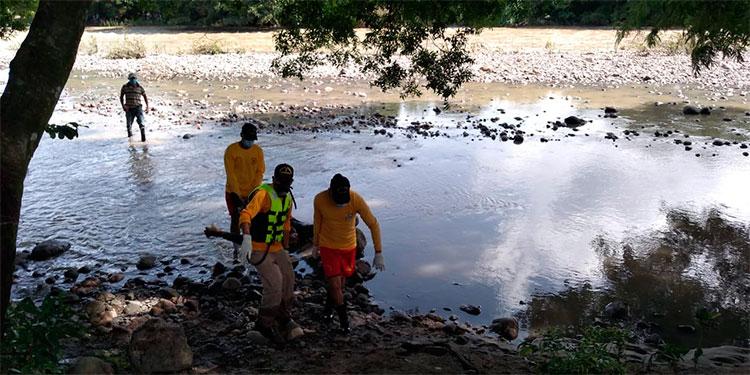 Bomberos recuperan cadáver de un hombre en río Ulúa
