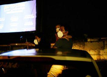 El autocine vuelve a El Salvador como alternativa ante pandemia de la COVID-19