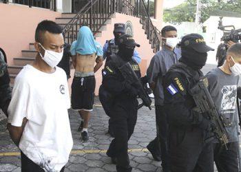 Distintos operativos realizados ayer por fuerzas antipandillas dejaron la captura de varios extorsionadores en la capital.