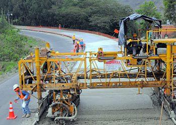 Con el BCIE buscan fondos para terminar de construir proyectos carreteros en oriente, occidente y norte del país.